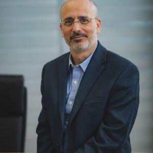 פרופ' יואב ברנע  מומחה לכירורגיה פלסטית ואסתטית